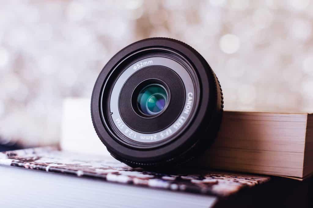 protecting camera lens